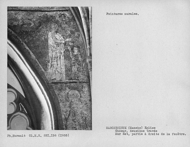Mur est de la deuxième travée du choeur, peintures murales à droite de la fenêtre
