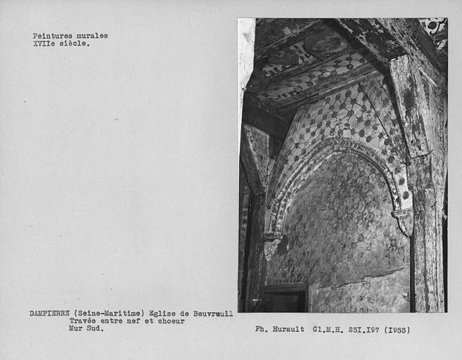 Travée entre choeur et nef, mur sud avec peintures décoratives