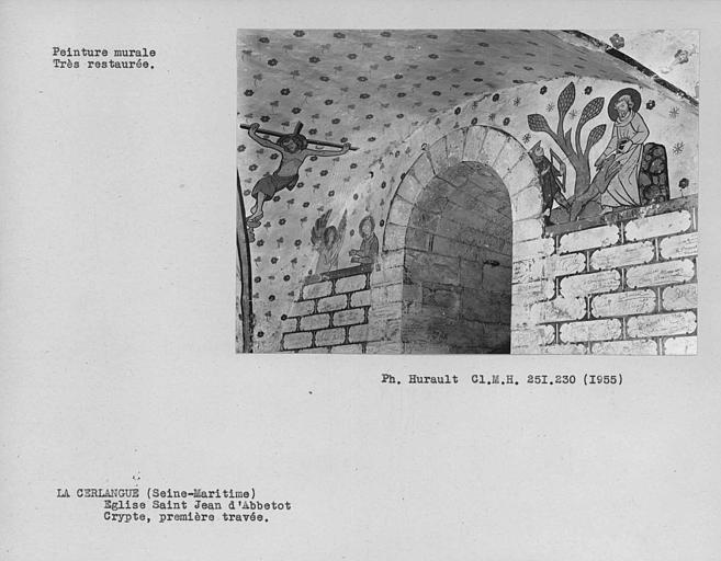 Ensemble des peintures murales restaurées côté sud de la deuxième travée de la crypte