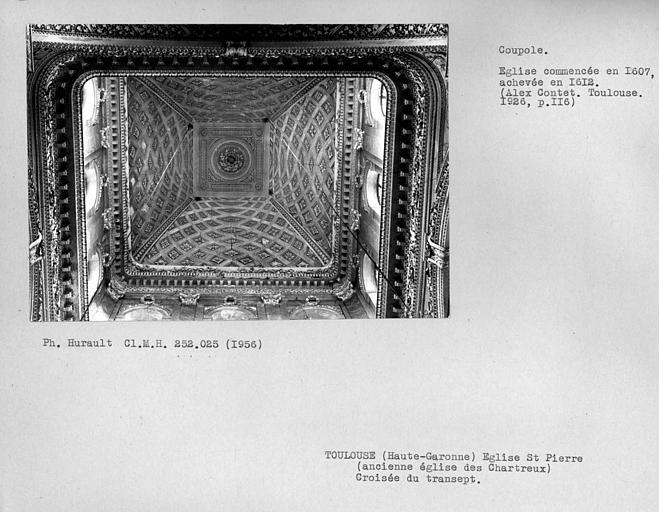 Vue par dessous de la coupole de la croisée du transept