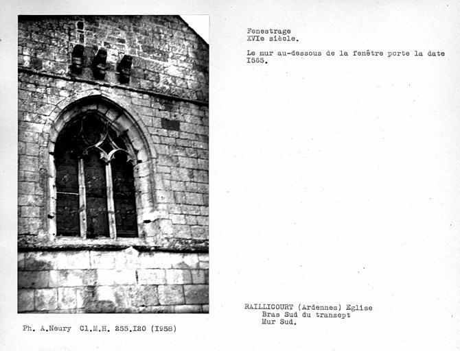 Fenestrage daté du bras sud du transept