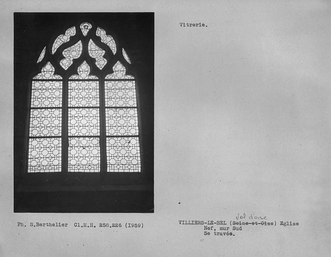 Vitrerie de la cinquième travée du mur sud de la nef