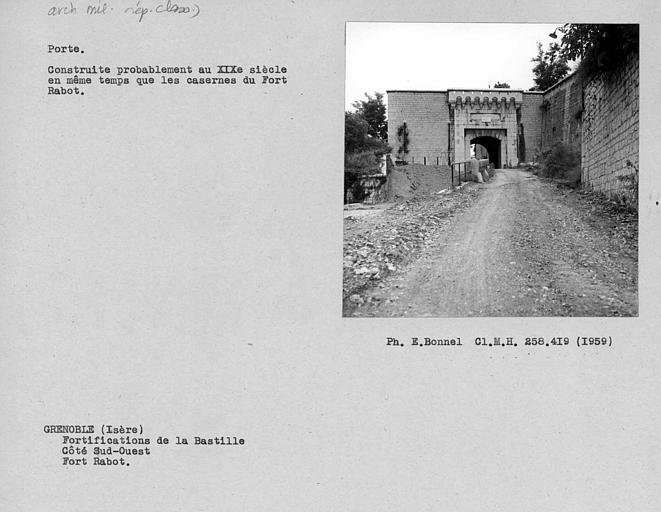 Portail du fort Rabot, côté ouest
