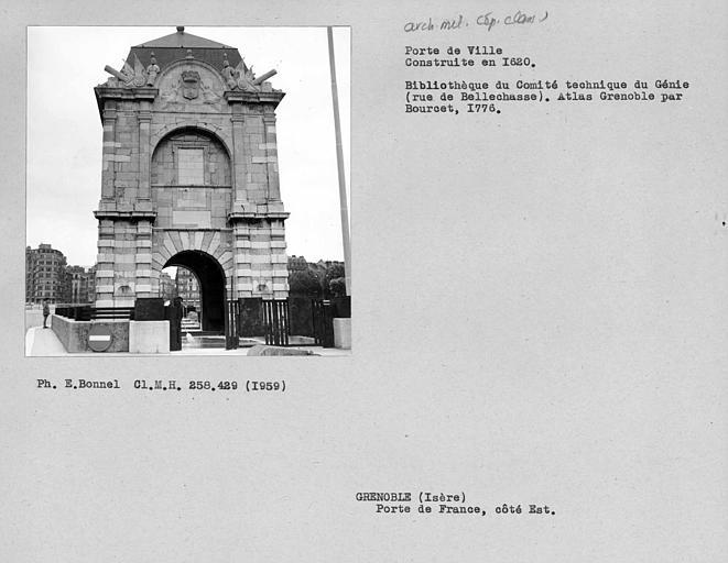 Porte de ville côté ouest