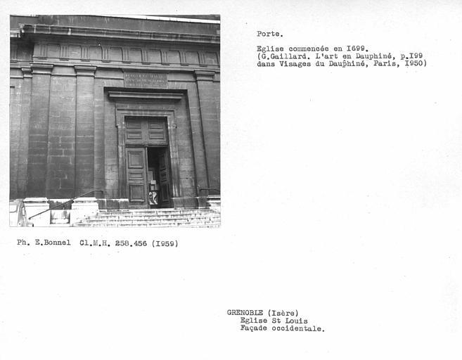 Porte de la façade ouest