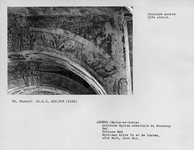 Tribune sud de la nef, peinture murale de l'écoinçon de la face est côté nord du doubleau entre 7ème et 8ème travées : Vierge folle