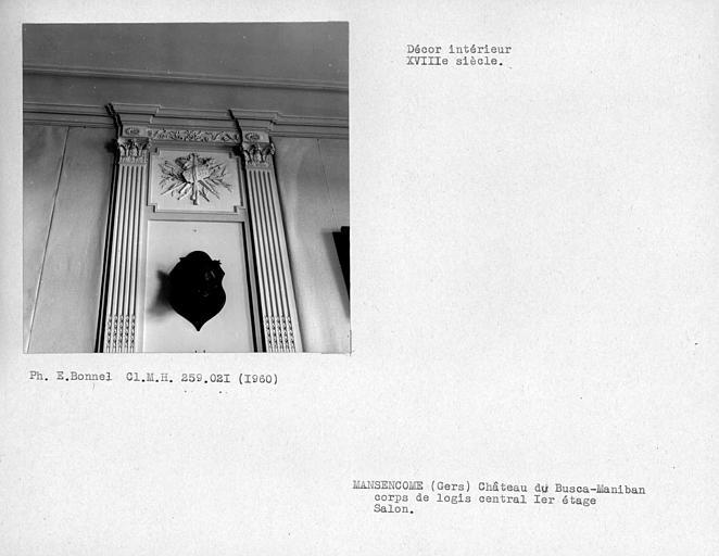 Décor de stuc du salon au nord du corps de logis central, premier étage