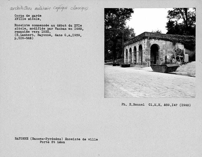 Corps de garde de la porte Saint-Léon