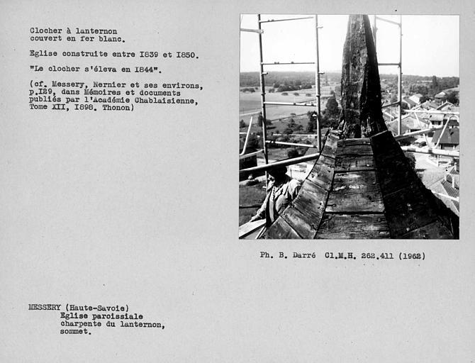 Charpente du clocher à lanternon couvert en fer blanc