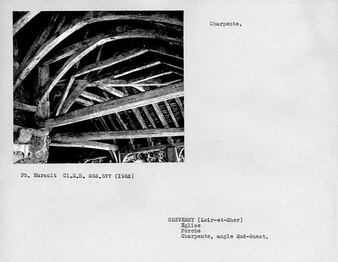 Charpente du porche, détail de l'angle sud-ouest