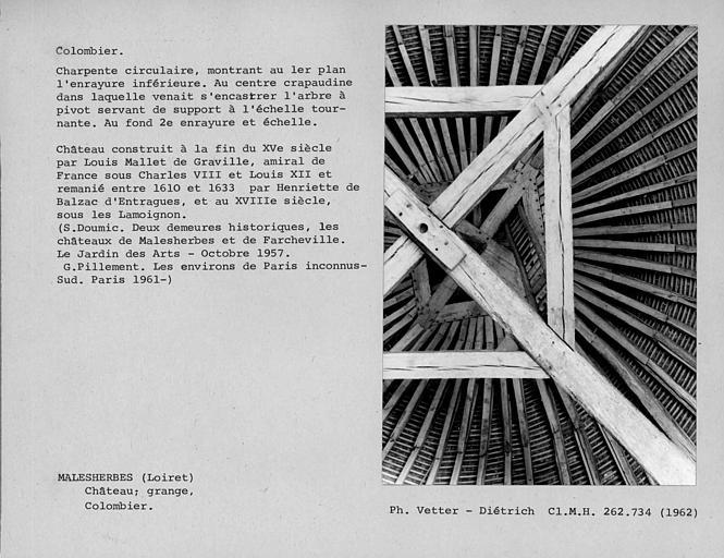 Charpente circulaire du pigeonnier, vue de dessous