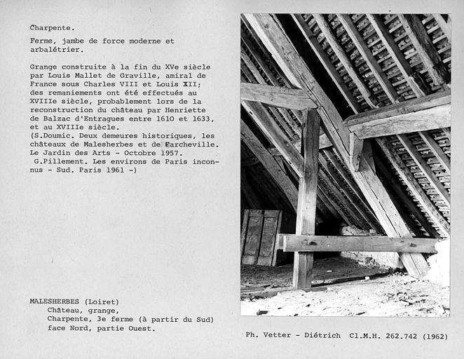 Charpente de la grange aux Dîmes, troisième ferme du sud au nord, jambe de force moderne ouest et arbalétrier