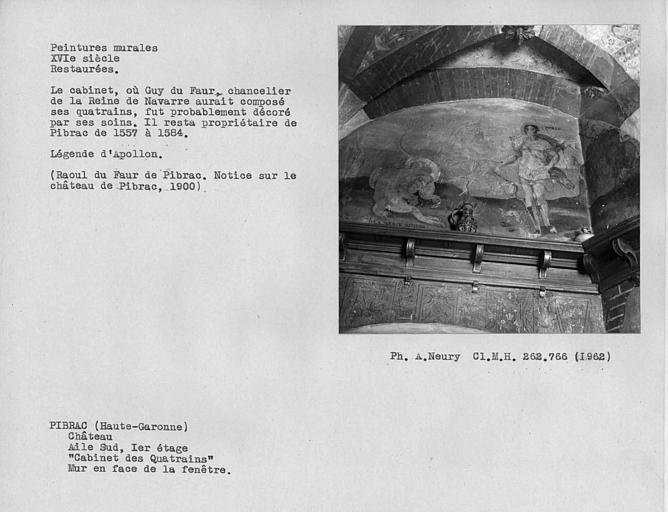 Cabinet des Quatrains au premier étage, peintures murales du mur de droite en face de la fenêtre : légende d'Apollon