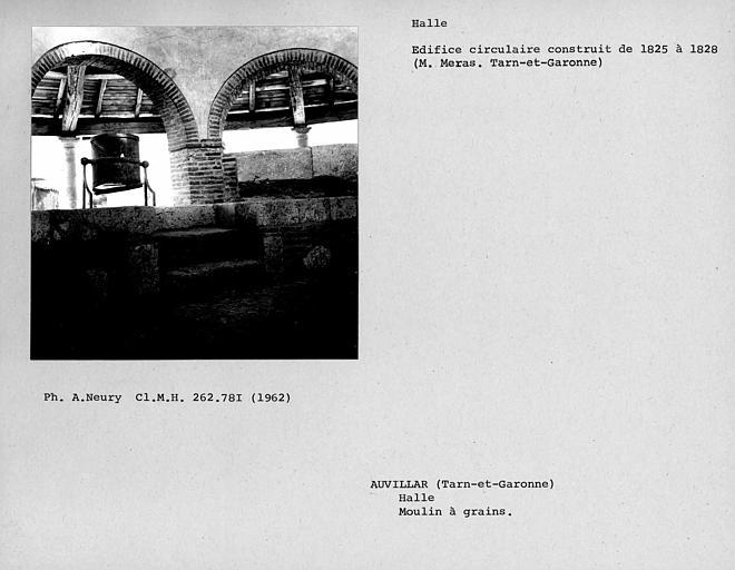 Halle circulaire, vue intérieure, moulin à grains