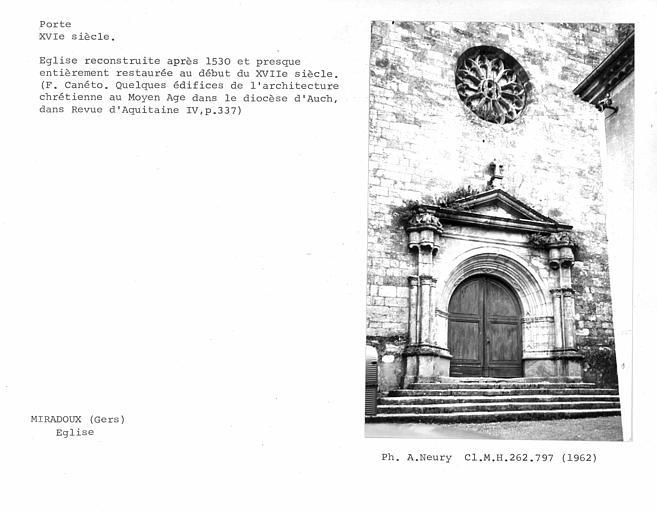 Ensemble de la porte et de la rose de la façade ouest