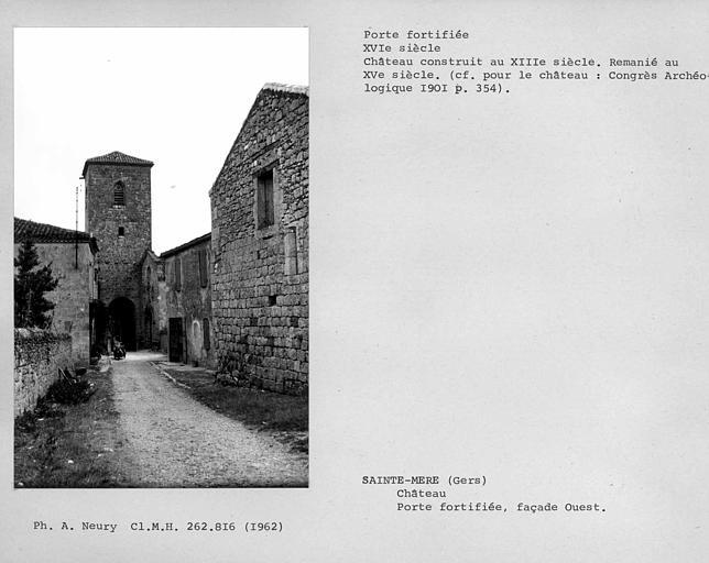 Porte fortifiée de la façade ouest