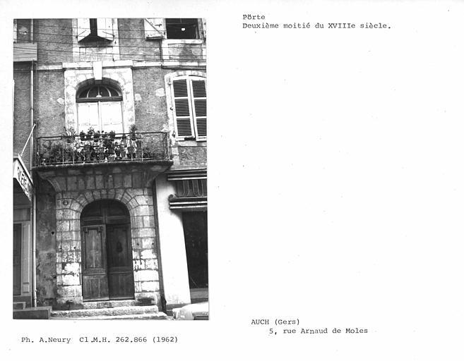 Ensemble de la porte et du balcon
