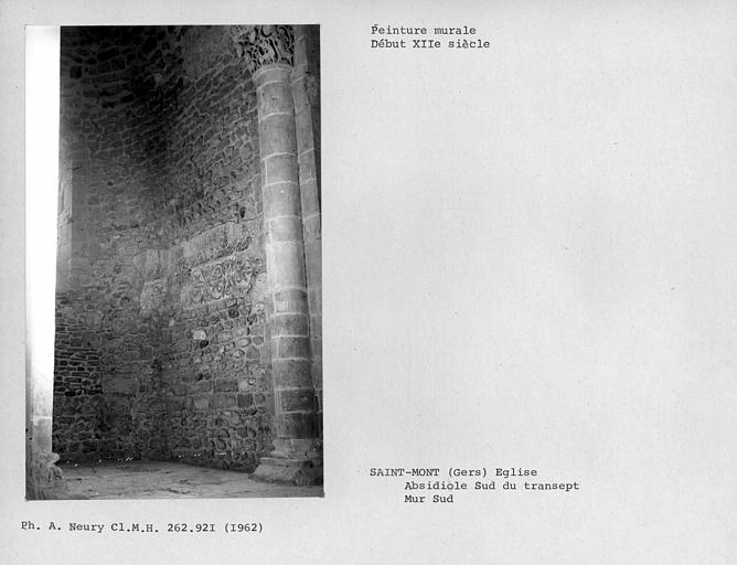 Restes de peintures murales de la partie sud-est de l'absidiole est du bras sud du transept, ensemble