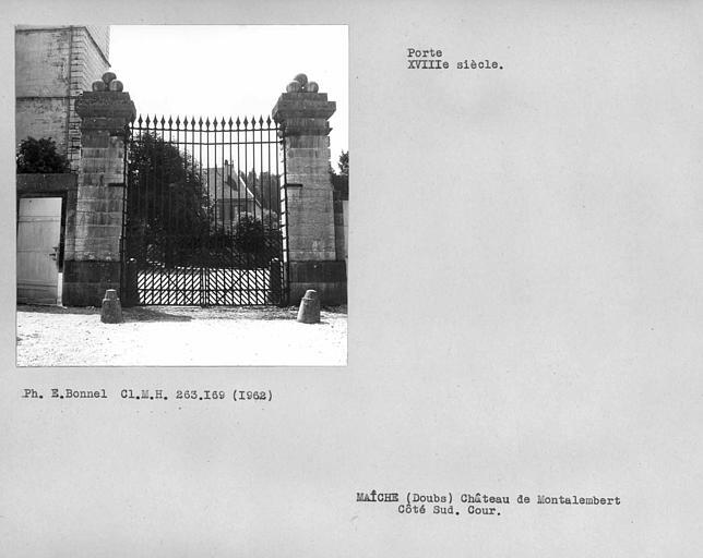 Porte de la cour côté sud