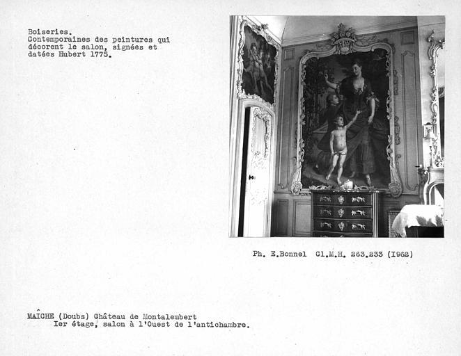 Boiseries et peinture de l'antichamblre au premier étage, à gauche de la cheminée du salon