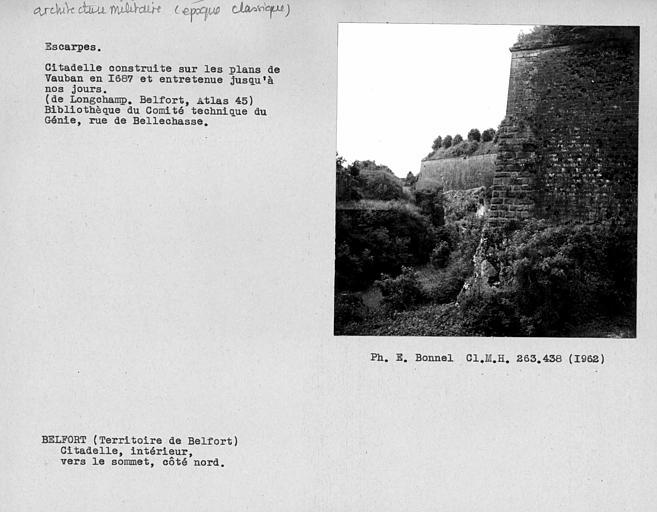 Côté nord des remparts de la citadelle