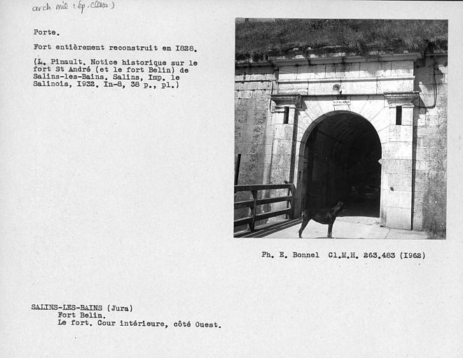 Porte du fort, cour intérieur, côté ouest