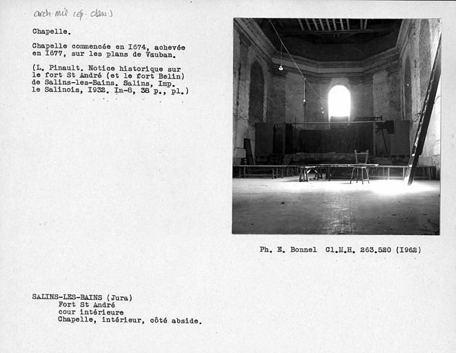 Abside de la chapelle, cour intérieure du fort