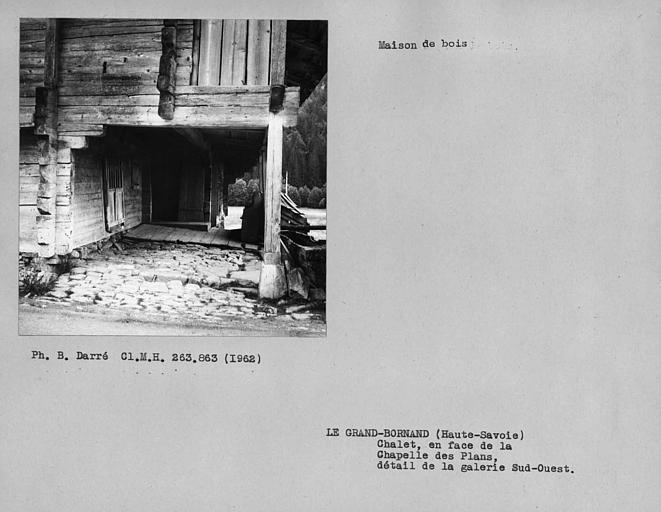 Pignon nord-ouest de la maison en pan-de-bois, détail de la galerie sud-ouest