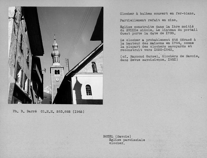 Couverture en fer-blanc du clocher à bulbes