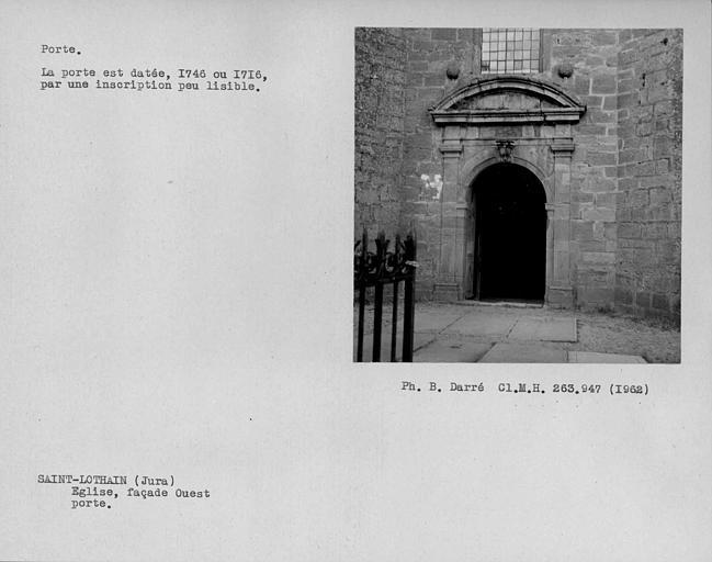 Portail d'entrée de la façade ouest