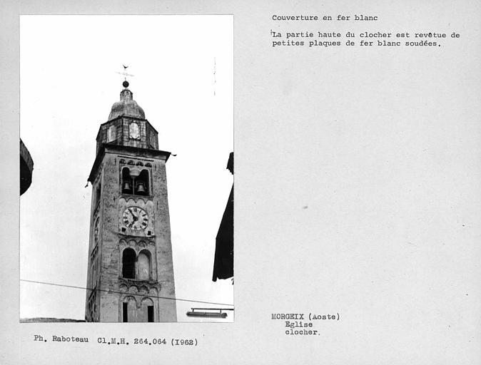 Couverture en fer-blanc du clocher