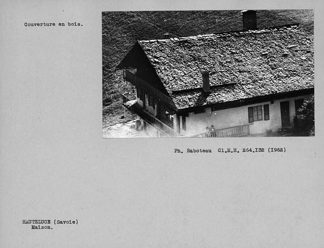 Couverture en bois de la toiture