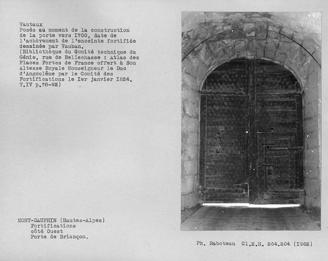 Face intérieure des vantaux de la porte de Briançon côté ouest