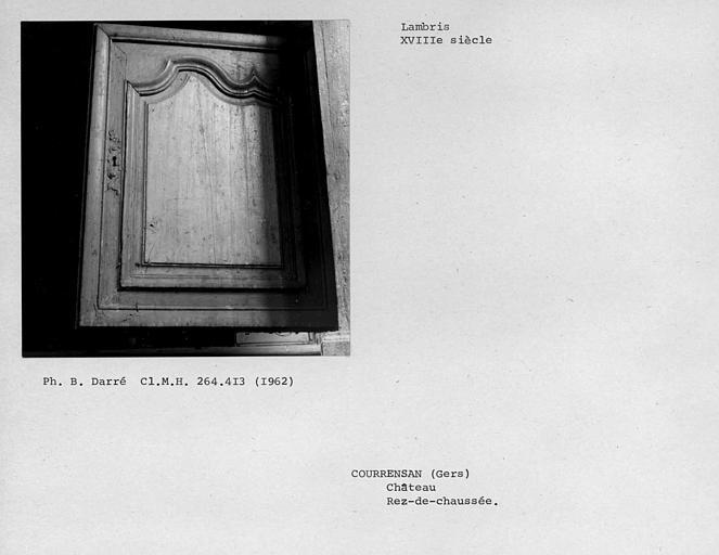 Lambris de la porte de placard de la deuxième salle au rez-de-chaussée