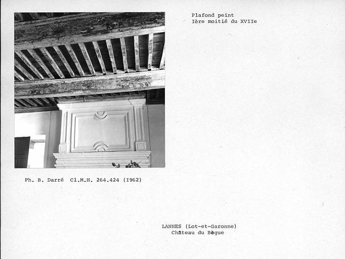 Cheminée du salon, partie haute et plafond peint