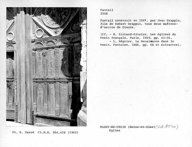 Vantail droit du portail sud de la façade sud