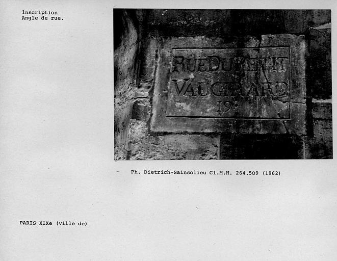 Inscription d'un nom de rue : rue du petit Vaugirard