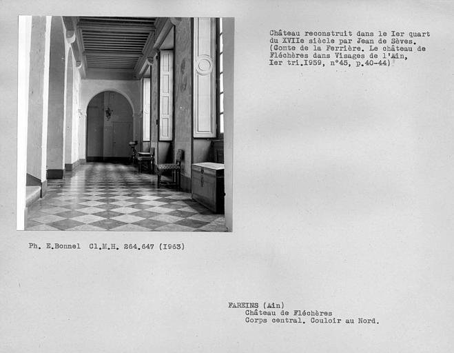 Couloir au nord du corps central
