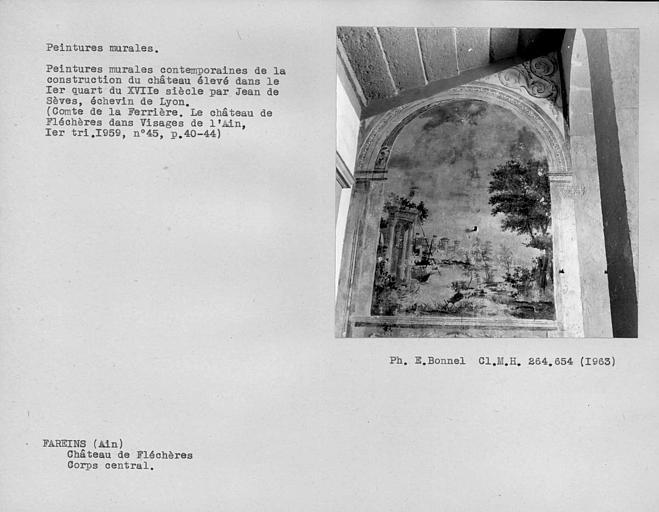 Peintures murales de l'escalier monumental du corps central