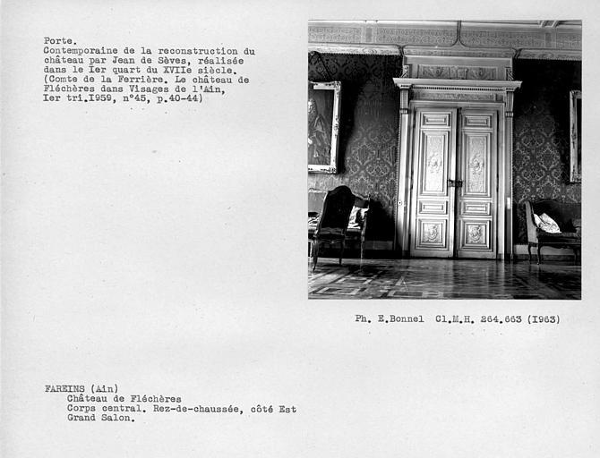 Corps central, rez-de-chaussée, côté est. Vantaux peints de la porte du grand salon