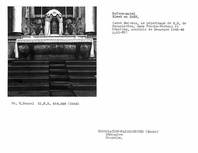 Autel en marbre du choeur dela chapelle