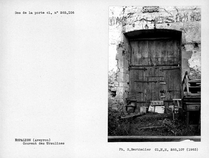Dos du vantail de la porte du n° 265106