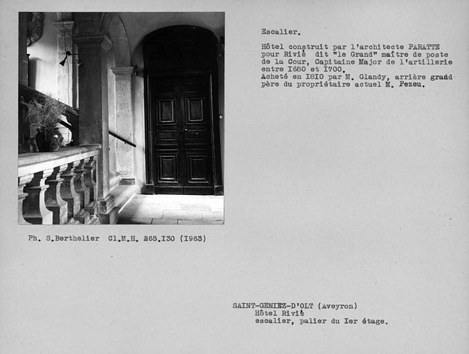 Escalier du palier de l'étage