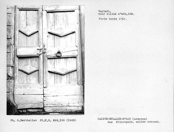Vantail de porte, voir n° 265168