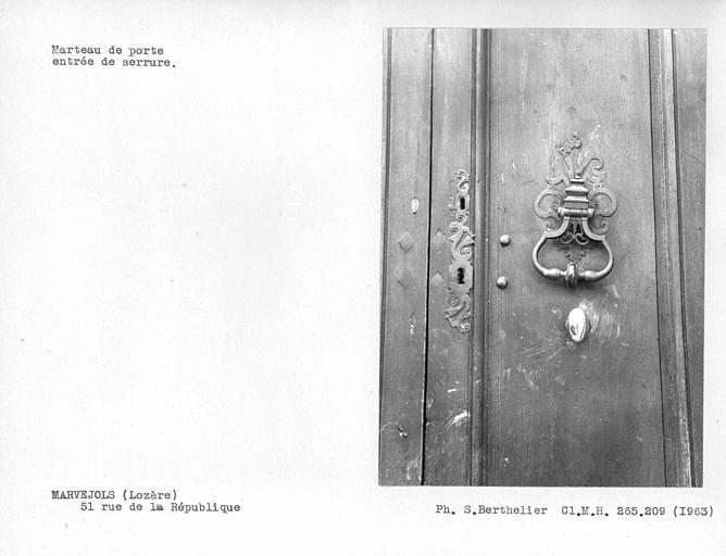 Marteau du vantail de porte et entrée de serrure
