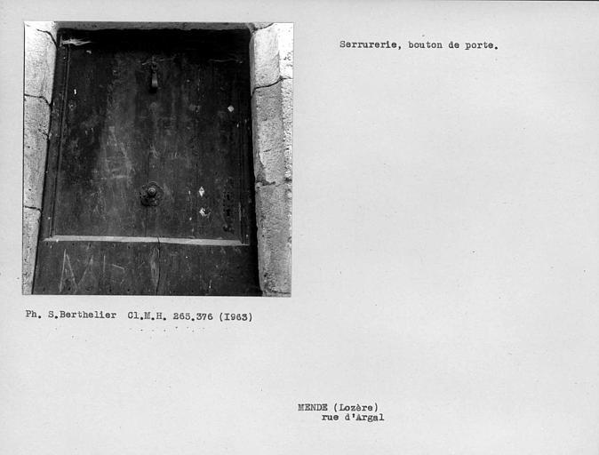 Vantail et bouton de porte