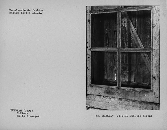 Menuiserie de fenêtre de la salle à manger du rez-de-chaussée