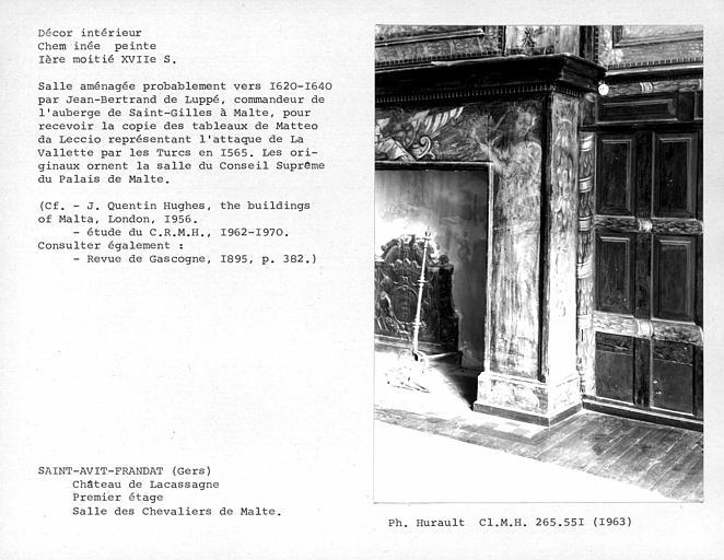 Décor de la salle des Chevaliers de Malte, montant droit de la cheminée