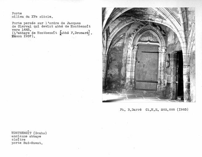 Porte sud-ouest du cloître