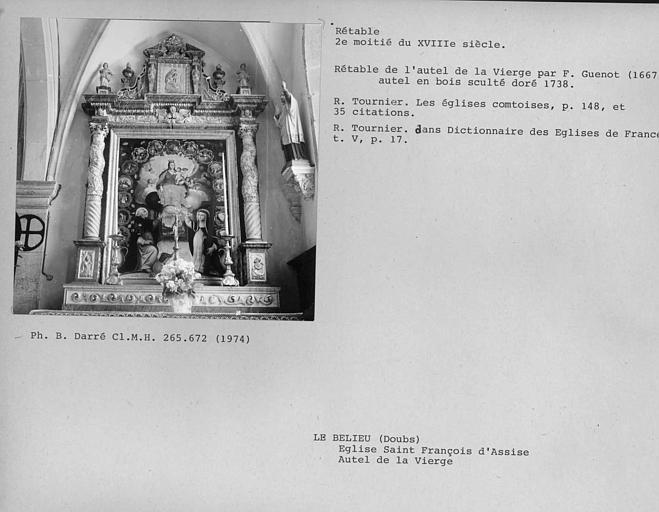 Chapelle sud. Rétable de l'autel de la vierge en bois sculpté doré